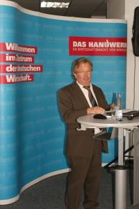 Festredner Robert Bergmüller, Präsident der Vereinigung ZimmerMeisterHaus